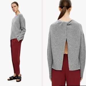 THEORY - Twylina Split Back Cashmere Sweater, M